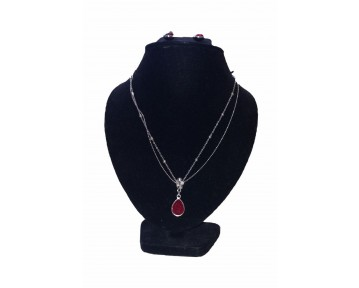 Red stone necklace and earing set